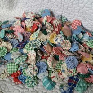 Vintage Handmade Rosettes 50s Fabrics Craft Lot